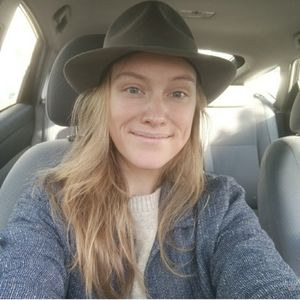 Short Brimmed Hat modern/ bohemian/ spring fashion